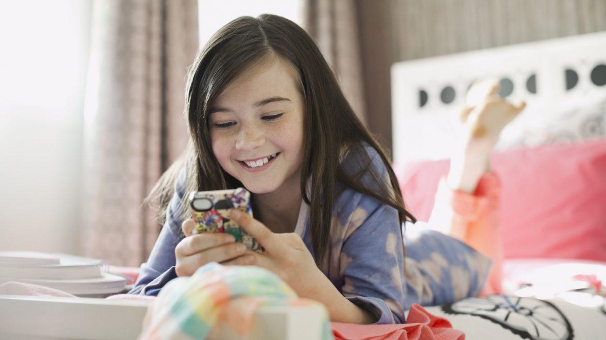 girl-using-social-media-on-her-phone